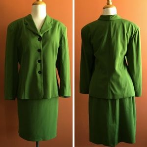 VINTAGE GIANNI SPORT Green Skirt Suit 16/14